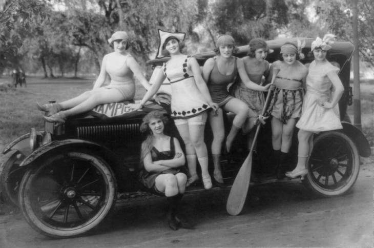 Mack Sennett's bathing beauties, ca. 1919