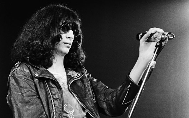 Joey Ramone (Jeffry Hyman) (1951 - 2001) performs on stage with The Ramones at The Roundhouse in London on 4th July 1976. (Photo by Gus Stewart/Redferns)